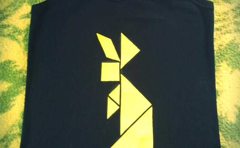 Conejo Tangram. Disponible este y más diseños de Tangram. Camisetas pintadas amano