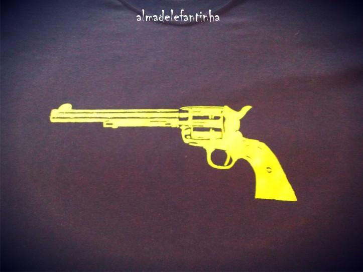 pistola by kolgyno_almadelefantinha_wordpress