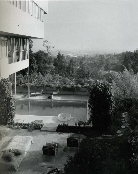 casa-lovell-garden